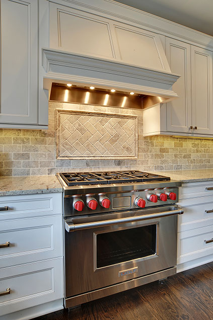1001-Woodlawn-Glenview - kitchen-backsplash-detail - Globex Developments Custom Homes
