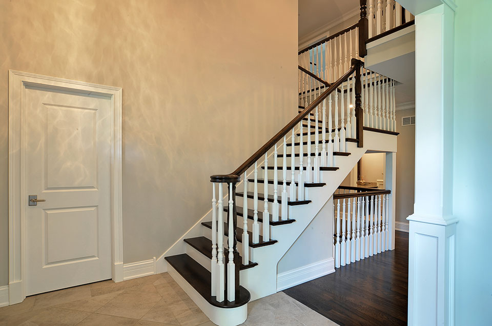 1001-Woodlawn-Glenview - staircase-1 - Globex Developments Custom Homes