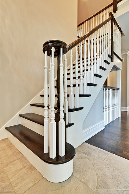 1001-Woodlawn-Glenview - staircase-detail - Globex Developments Custom Homes