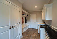 1001-Woodlawn-Glenview - Mudroom  - Globex Developments Custom Homes