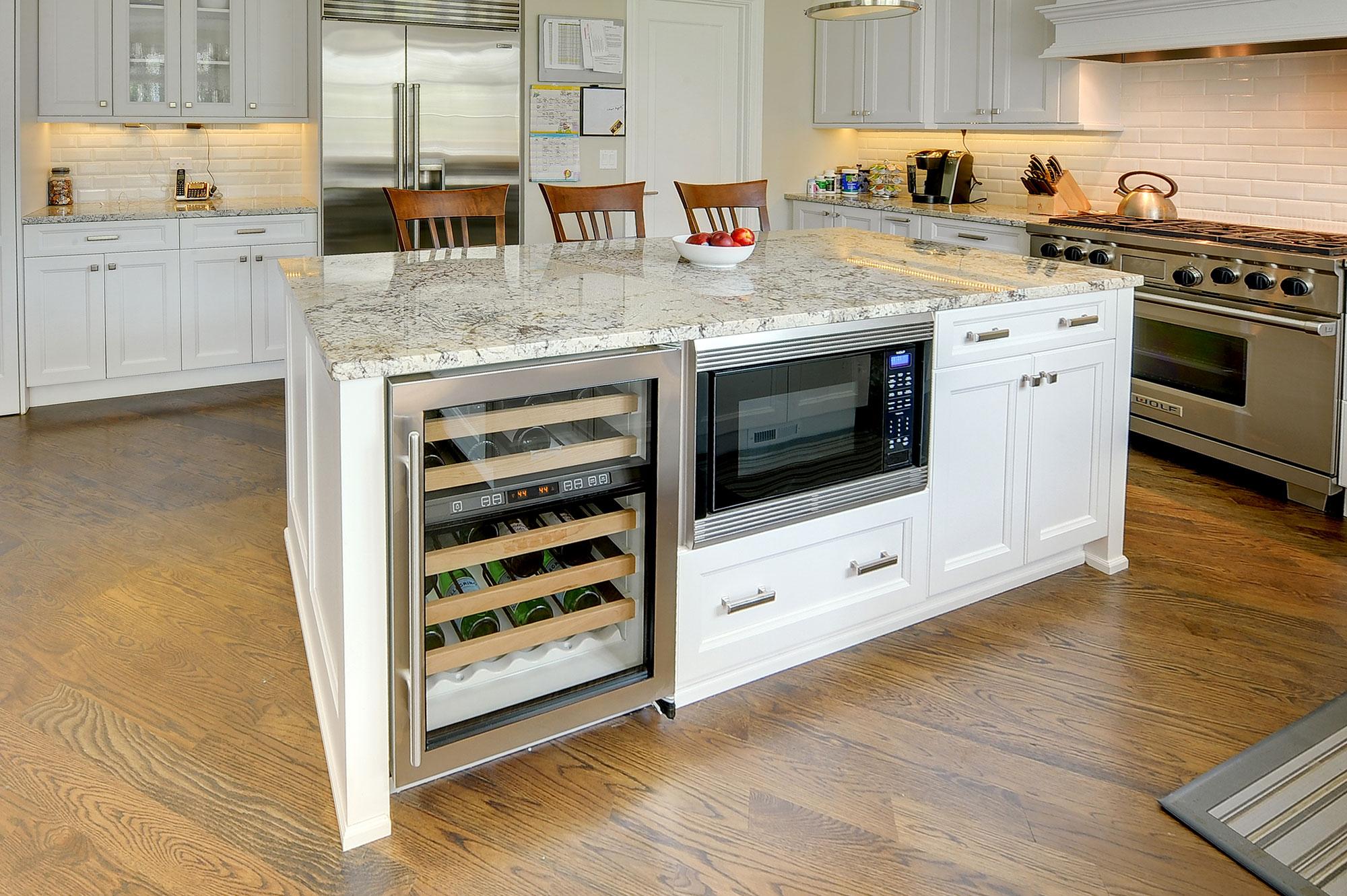 Kitchen Island New Custom Homes Globex Developments Inc