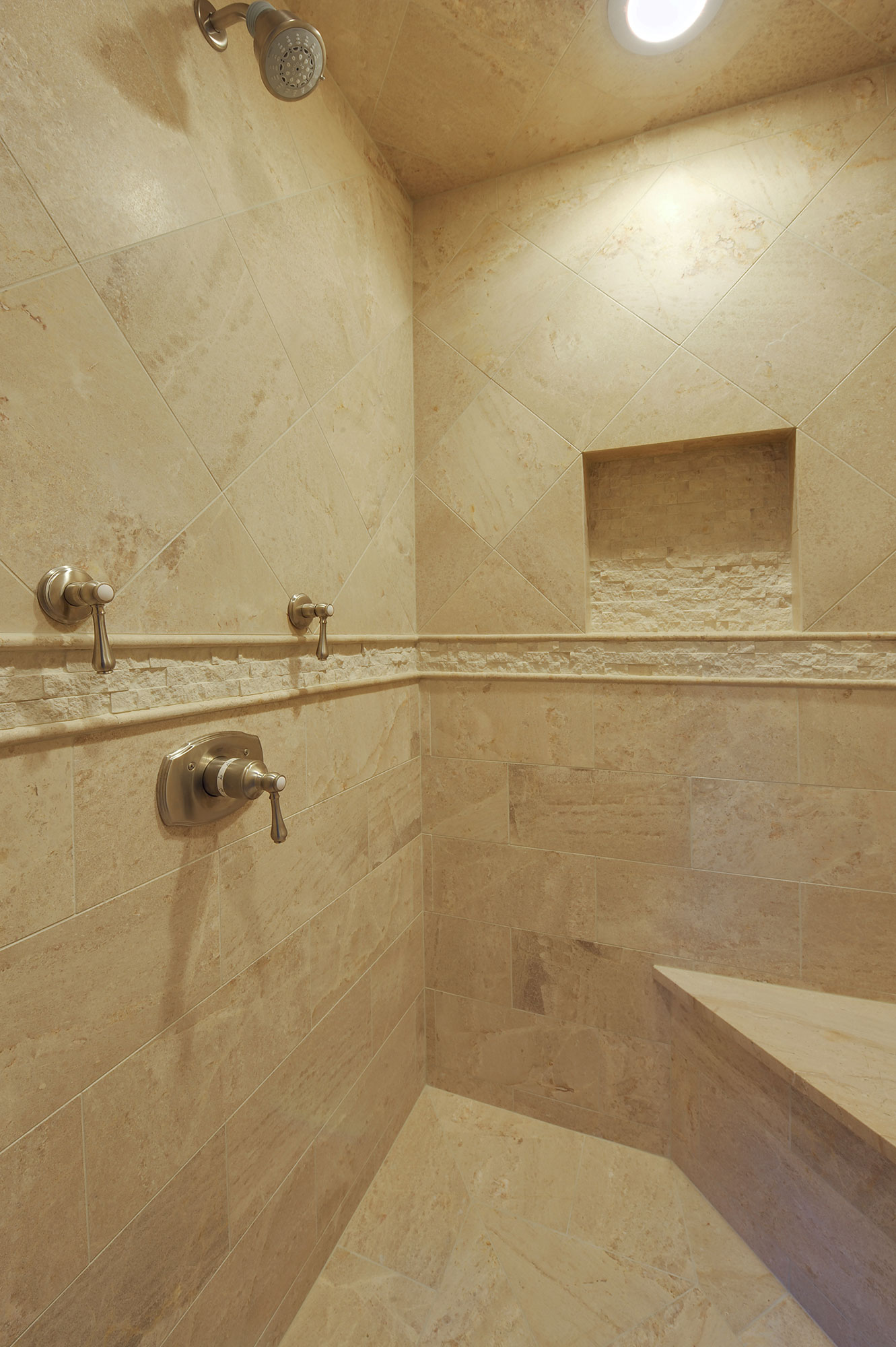 1005-Queens-Glenview - MasterBathroom-Shower - Globex Developments Custom Homes