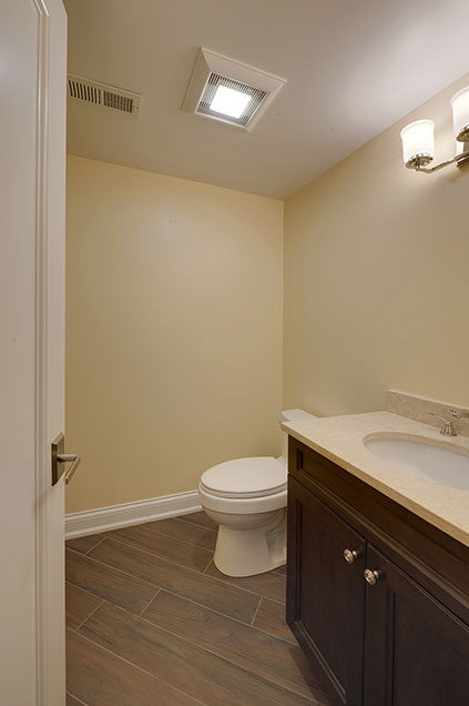 1005-Queens-Glenview - Basement-Bathroom - Globex Developments Custom Homes