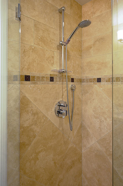 1005-Queens-Glenview - Basement-Shower-Detail - Globex Developments Custom Homes