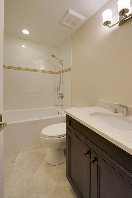 1005-Queens-Glenview - Bathroom - Globex Developments Custom Homes