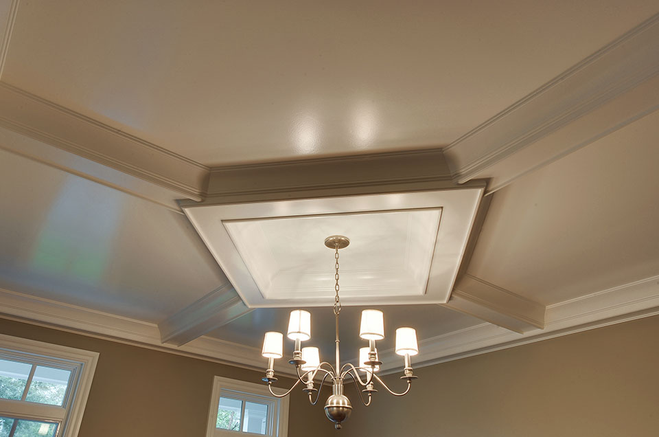 1005-Queens-Glenview - Dining-Room-Ceiling-Detail - Globex Developments Custom Homes