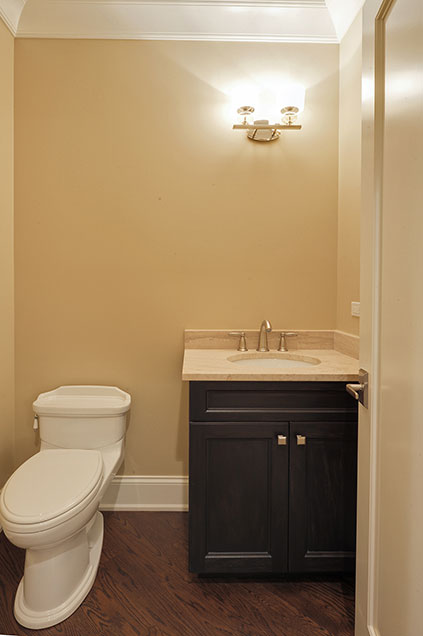 1005-Queens-Glenview - Guest-Bathroom - Globex Developments Custom Homes