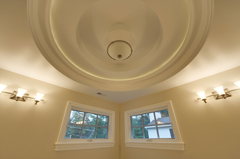 1005-Queens-Glenview - Master-Bathroom-Light-Off - Globex Developments Custom Homes