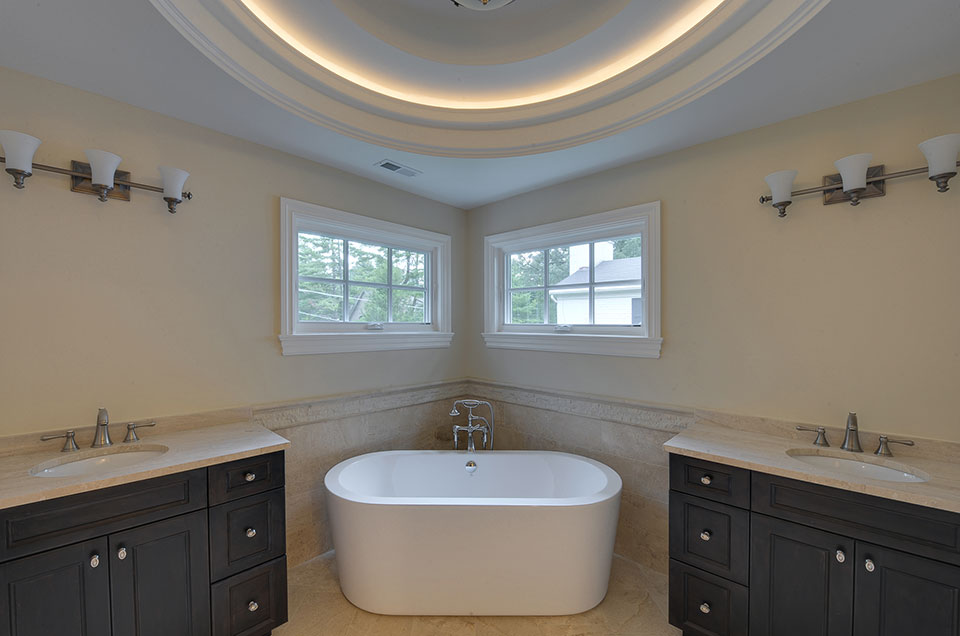 1005-Queens-Glenview - Master-Bathroom-Tub-View - Globex Developments Custom Homes