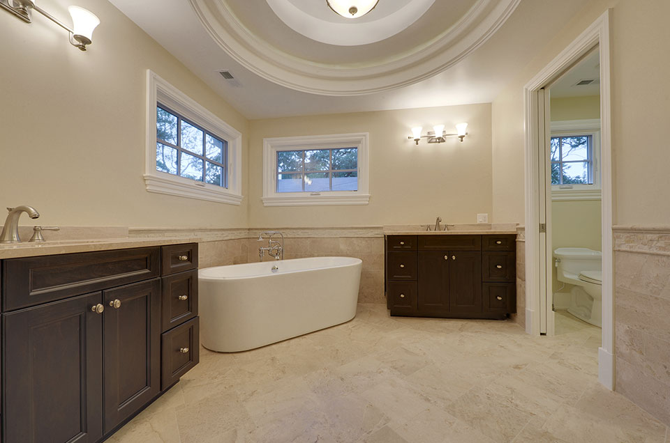1005-Queens-Glenview - Master-Bathroom - Globex Developments Custom Homes