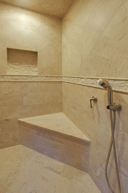 1005-Queens-Glenview - MasterBathroom-Shower-Detail - Globex Developments Custom Homes