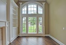 1005-Queens-Glenview - Livingroom-Window-Detail - Glenview Haus Gallery