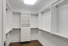 1005-Queens-Glenview - Master-Bedroom-Closet - Glenview Haus Gallery