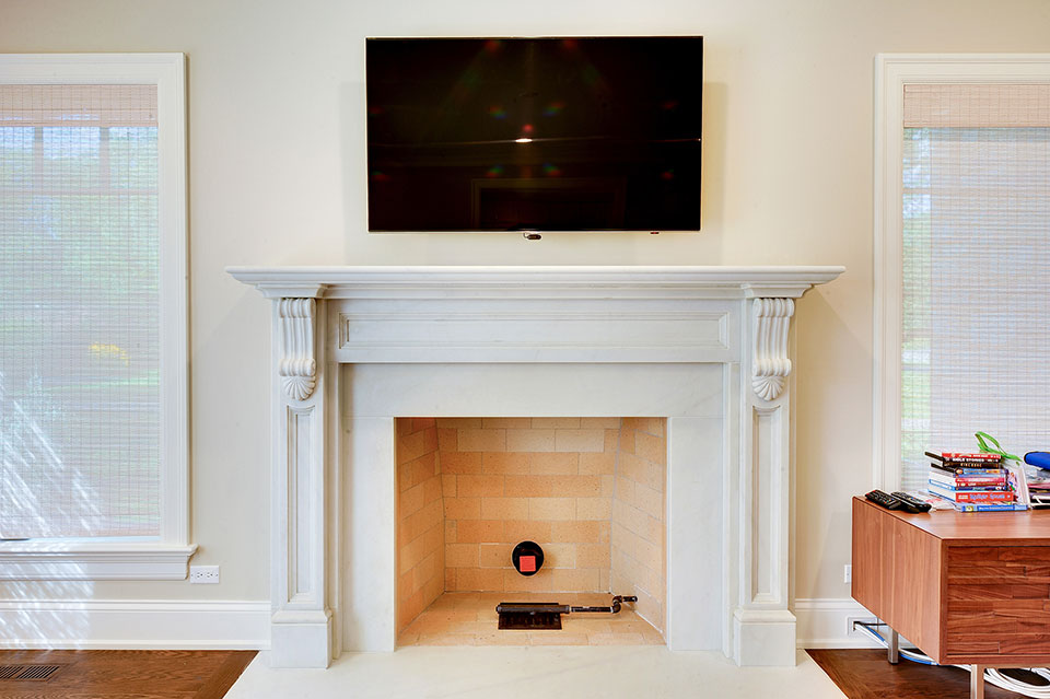 1021-Huckleberry-Glenview - FamilyRoom-Fireplace - Globex Developments Custom Homes