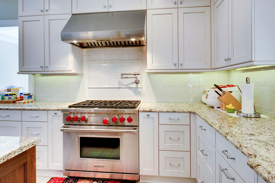 1021-Huckleberry-Glenview - Kitchen-Backsplash - Globex Developments Custom Homes