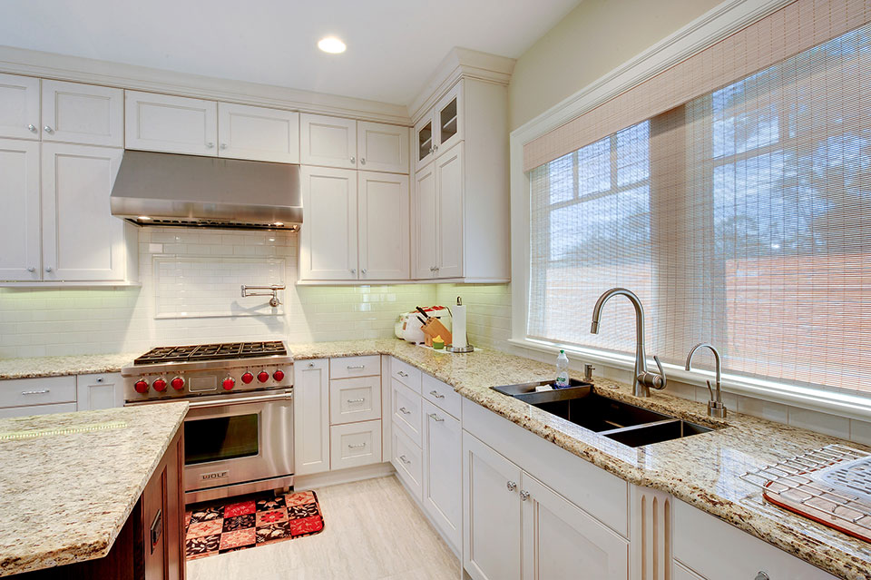 1021-Huckleberry-Glenview - Kitchen-Sink - Globex Developments Custom Homes
