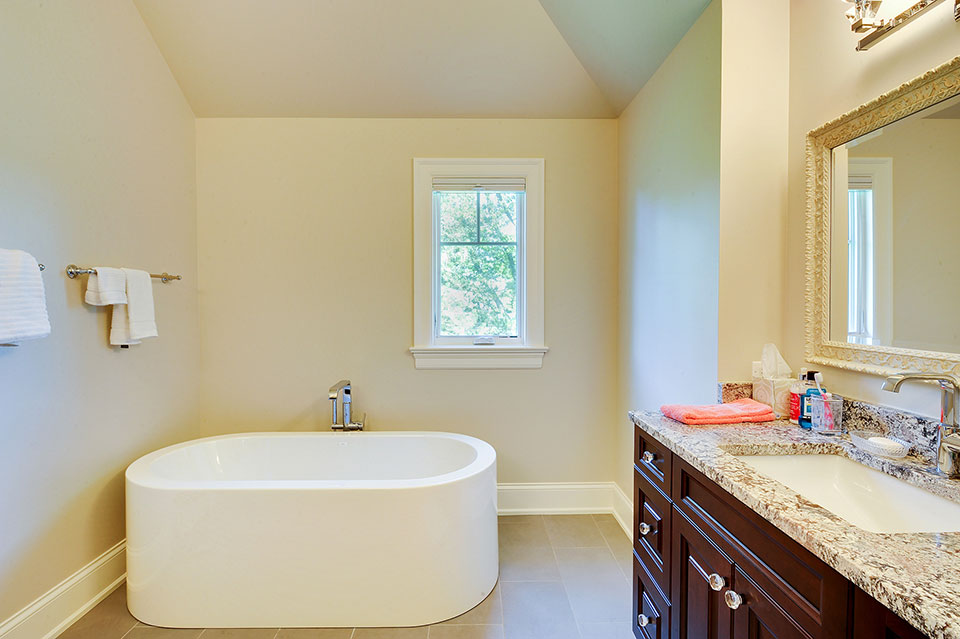 1021-Huckleberry-Glenview - Master-Bath - Globex Developments Custom Homes