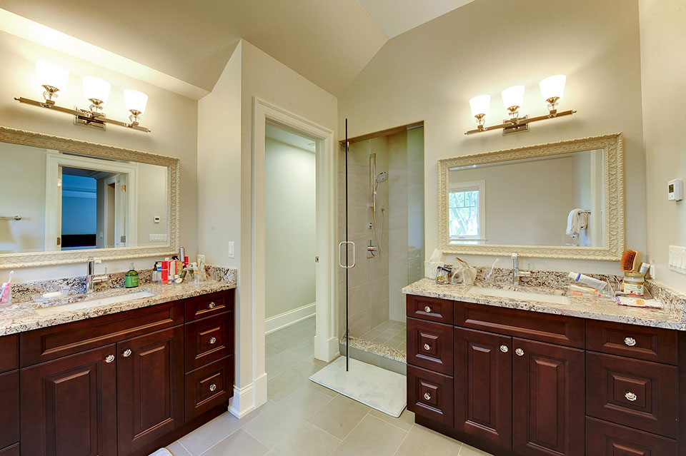 1021-Huckleberry-Glenview - Master-Bathroom - Globex Developments Custom Homes