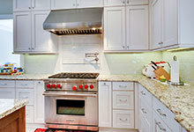 1021-Huckleberry-Glenview - Kitchen Backsplash - Globex Developments Custom Homes