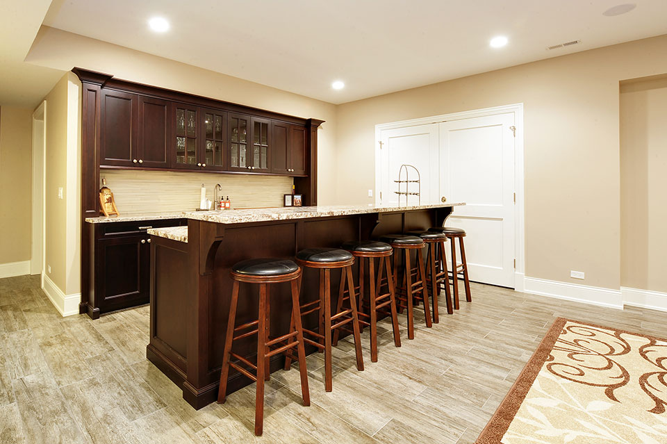 1044-Woodlawn-Glenview - Basement-Bar - Globex Developments Custom Homes