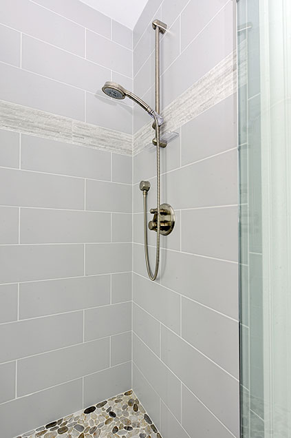 1044-Woodlawn-Glenview - Boy-Shower - Globex Developments Custom Homes