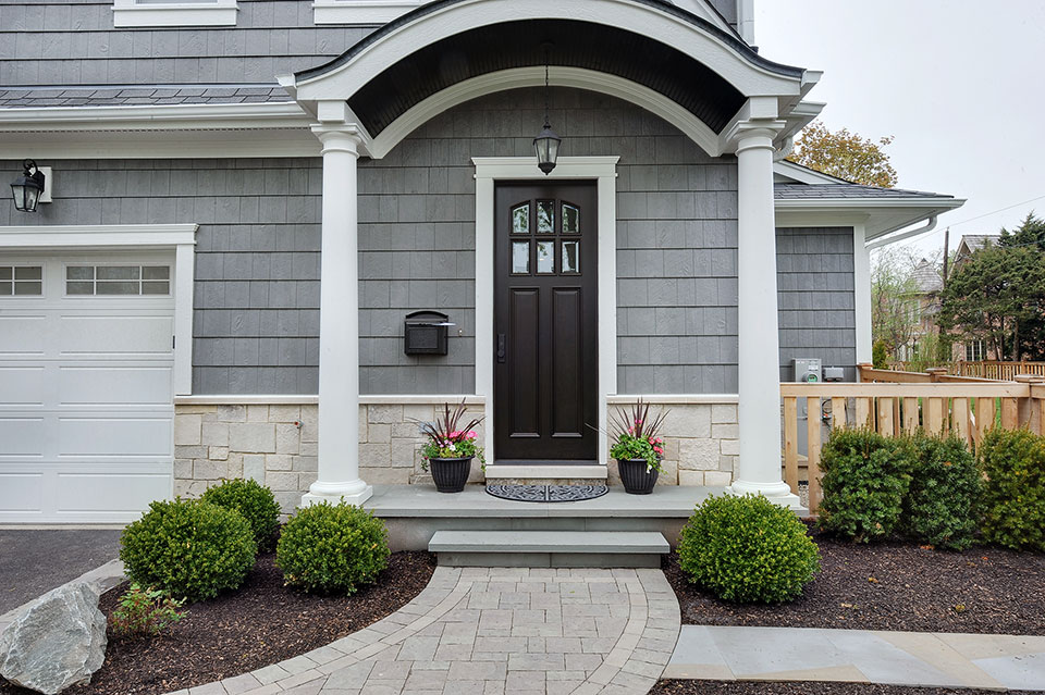 1044-Woodlawn-Glenview - House-Side-Entry-Door - Globex Developments Custom Homes