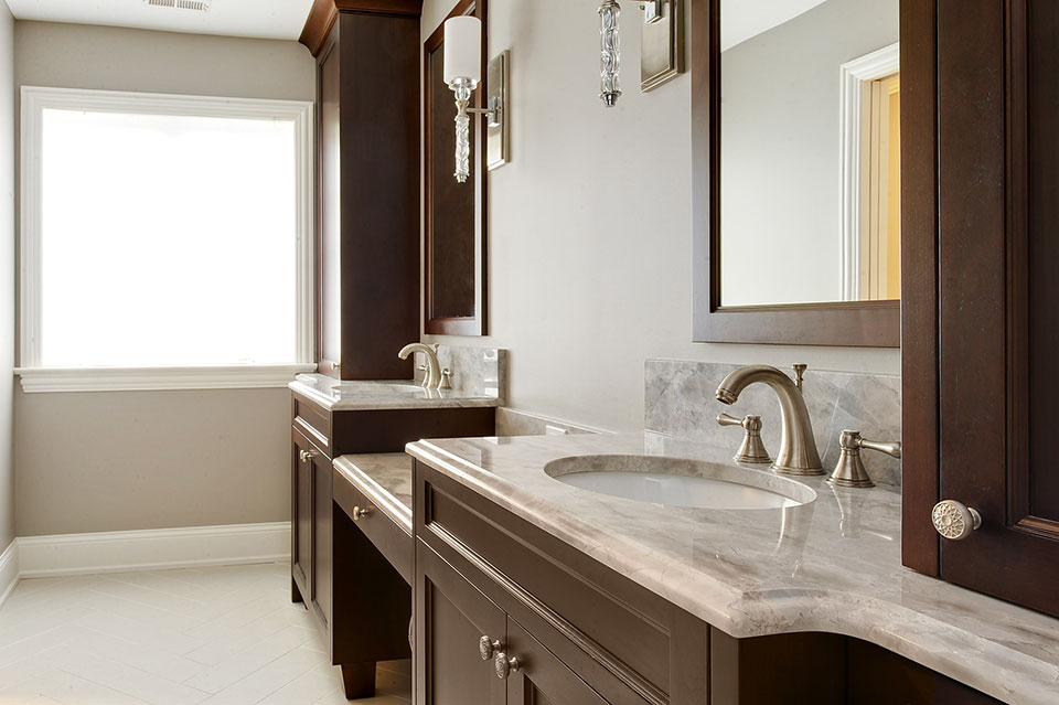1044-Woodlawn-Glenview - Master-Bathroom-Detail - Globex Developments Custom Homes