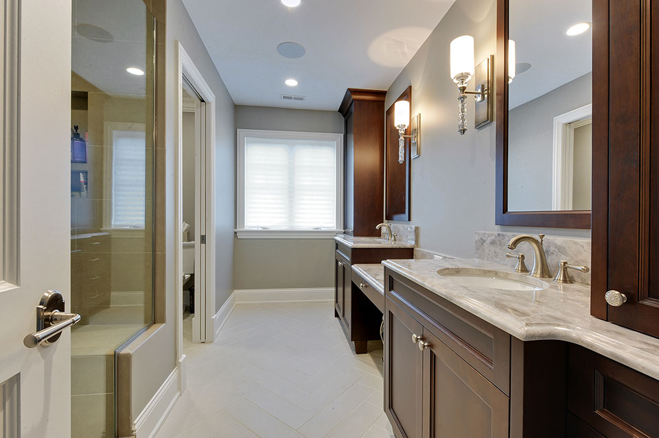 1044-Woodlawn-Glenview - Master-Bathroom - Globex Developments Custom Homes