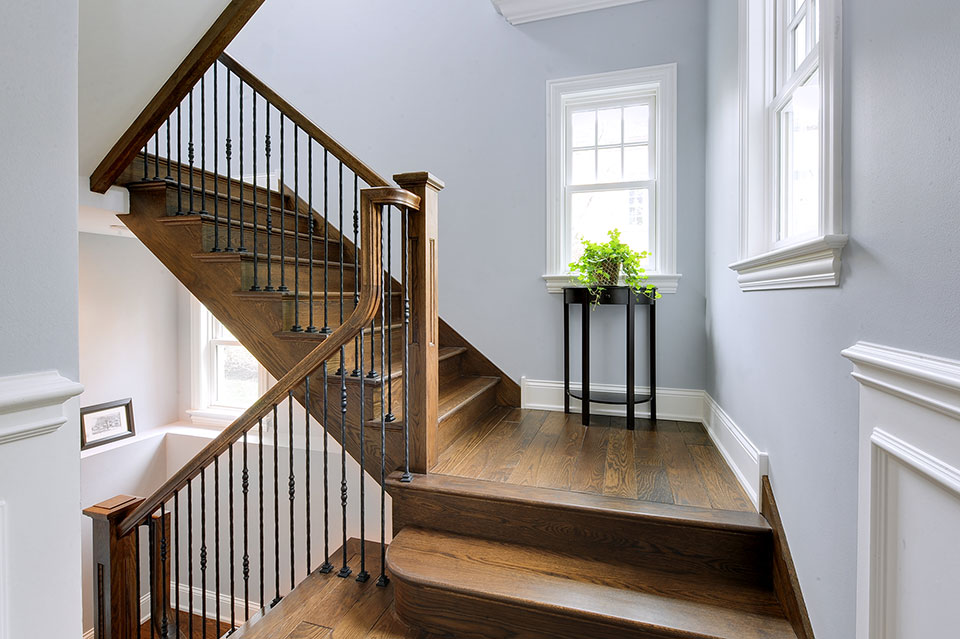 1044-Woodlawn-Glenview - Staircase - Globex Developments Custom Homes