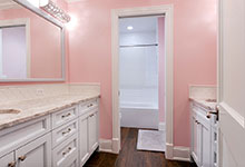 1044-Woodlawn-Glenview - Girl Bathroom - Globex Developments Custom Homes