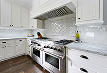 1044-Woodlawn-Glenview - Kitchen Backsplash - Globex Developments Custom Homes