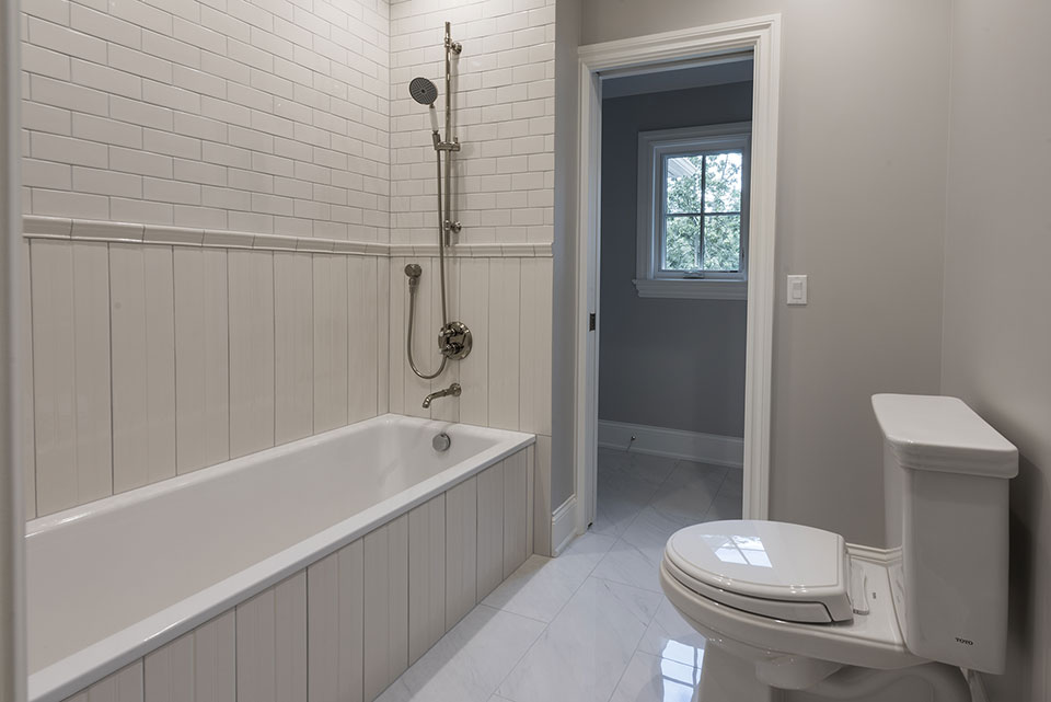 1205-Pleasant-Glenview - Bathroom - Globex Developments Custom Homes
