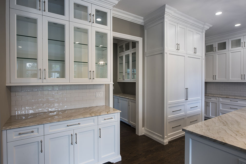 1205-Pleasant-Glenview - Kitchen-Cabinets,-Butlers-Bar - Globex Developments Custom Homes