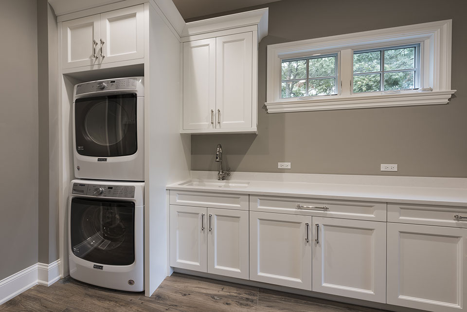 1205-Pleasant-Glenview - Mudroom-Laundry - Globex Developments Custom Homes