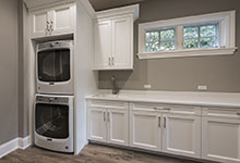 1205-Pleasant-Glenview - Mudroom Laundry - Globex Developments Custom Homes