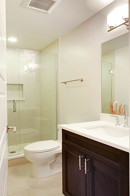 1206-Raleigh-Glenview - Basement-Bathroom - Globex Developments Custom Homes
