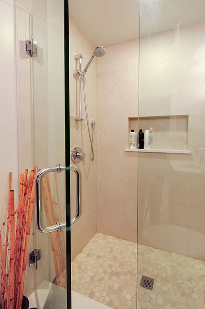 1206-Raleigh-Glenview - Basement-Shower - Globex Developments Custom Homes