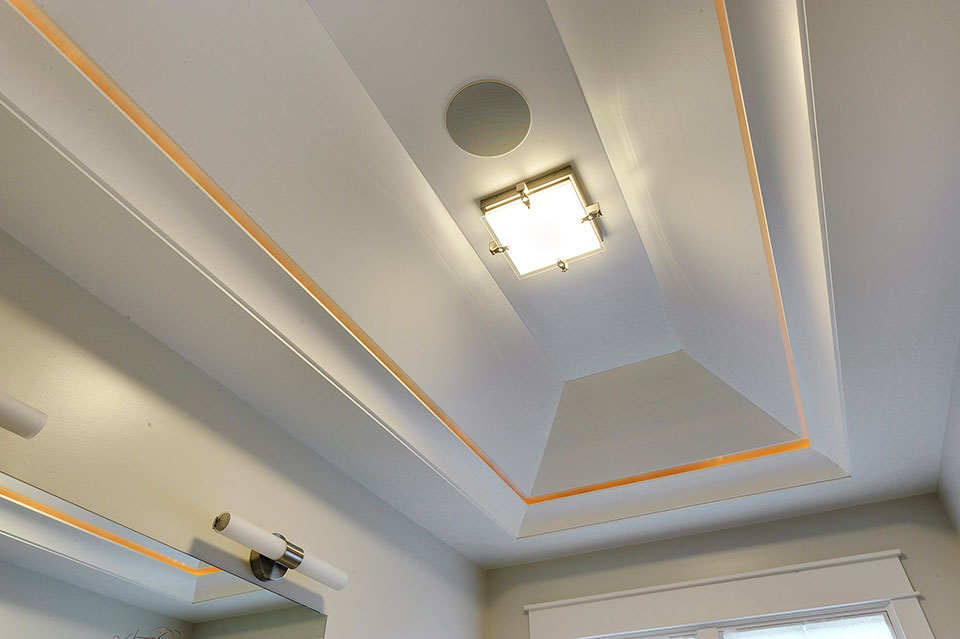 1206-Raleigh-Glenview - Master-Bath-Ceiling-Detail - Globex Developments Custom Homes