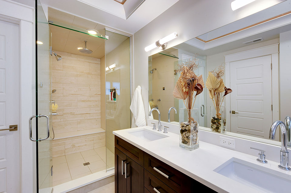 1206-Raleigh-Glenview - Master-Bath-Detail - Globex Developments Custom Homes