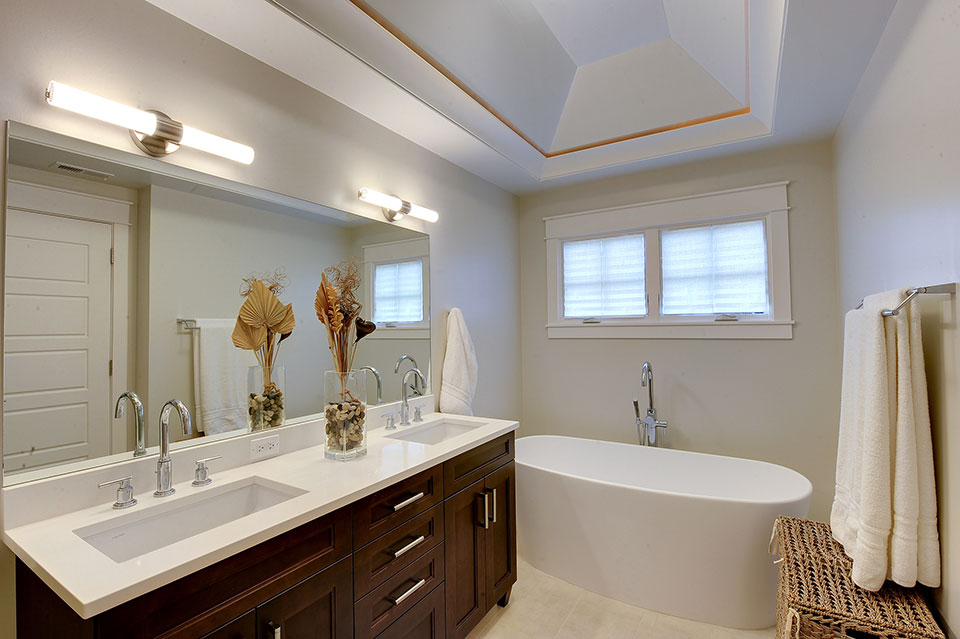 1206-Raleigh-Glenview - Master-Bath-Lights - Globex Developments Custom Homes