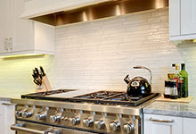 1206-Raleigh-Glenview - Kitchen Backsplash - Globex Developments Custom Homes