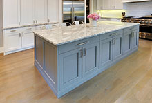 1206-Raleigh-Glenview - Kitchen Island - Globex Developments Custom Homes