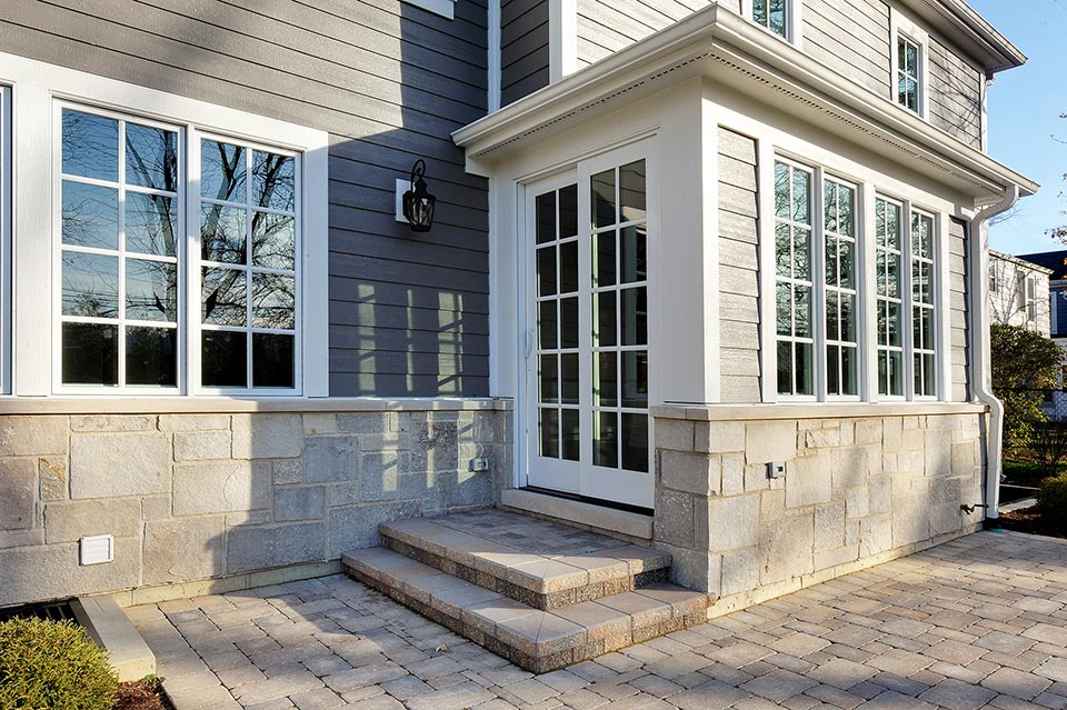 1216-Raleigh-Glenview - House-Patio-Detail - Globex Developments Custom Homes