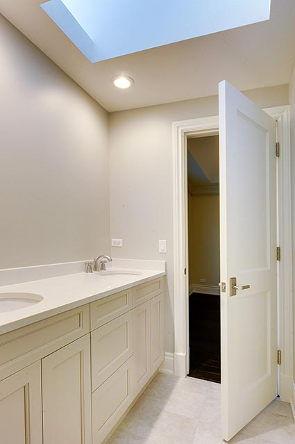 1216-Raleigh-Glenview - JackJill-Bathroom - Globex Developments Custom Homes