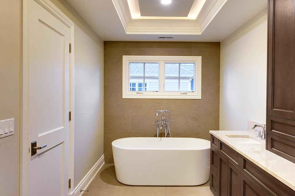 1216-Raleigh-Glenview - Master-Bathroom-View - Globex Developments Custom Homes