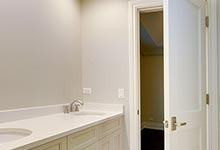 1216-Raleigh-Glenview - JackJill Bathroom - Globex Developments Custom Homes