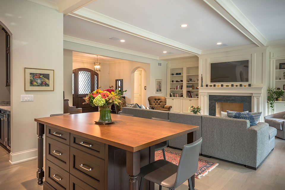 1233-Heather-Lane-Glenview - Breakfast-Table,-Family-Room,-Front-Doors-View - Globex Developments Custom Homes