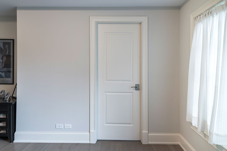 1233-Heather-Lane-Glenview - White-Interior-Door - Globex Developments Custom Homes
