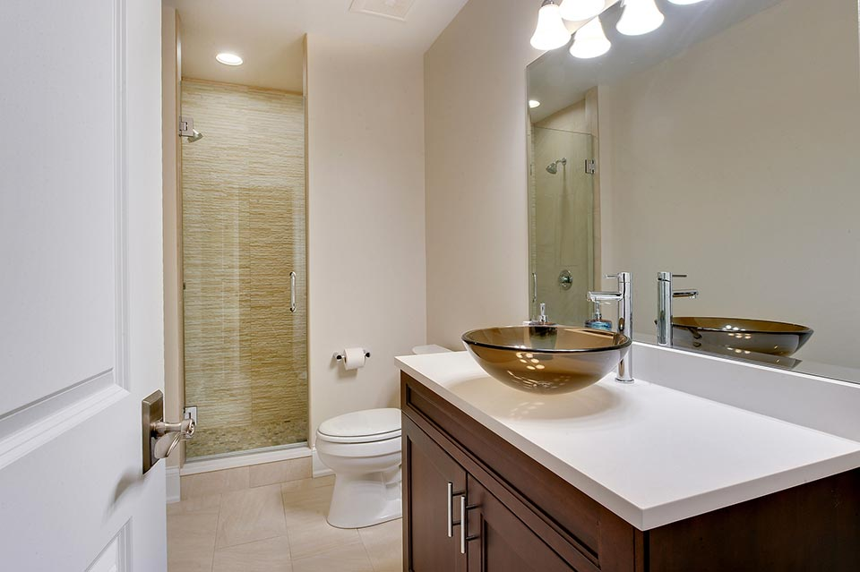 124-Berry-Park-Ridge - Basement-Bathroom - Globex Developments Custom Homes