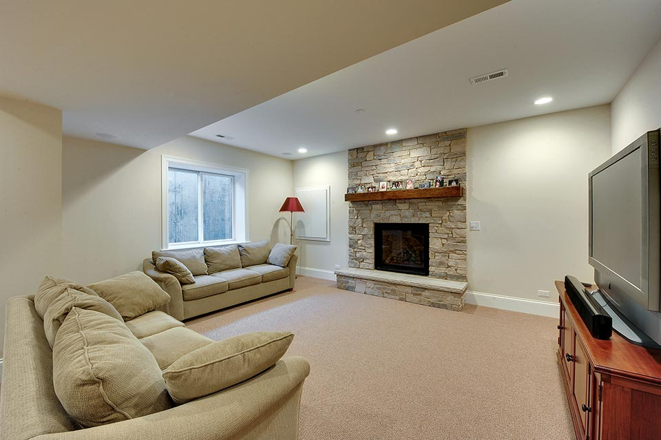 124-Berry-Park-Ridge - Basement-Family-Room - Globex Developments Custom Homes